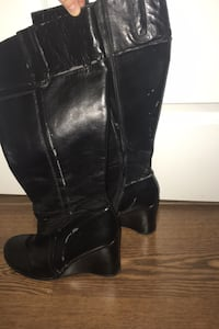 Size 8 leather boots Toronto, M9A 5A9