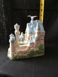 Schmid animated musical castle. Dove and Knight spin in place and the music is As Time Goes By 1156 mi