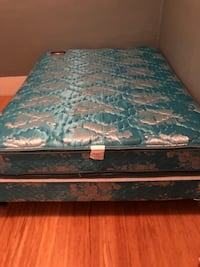 Queen mattress and box spring-metal frame Pittsburgh, 15212