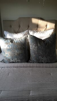Set of two z gallery jacquard pillows