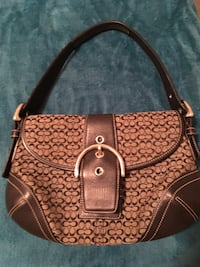 Coach purse Miami, 33142