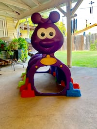 Kids Caterpillar Tunnel lots of fun for young ones