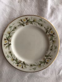 White and green floral ceramic plate Jacksonville, 32257