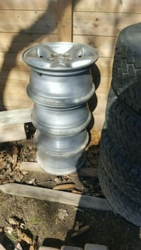 Jeep tj rims St. Thomas, N5R 1A1