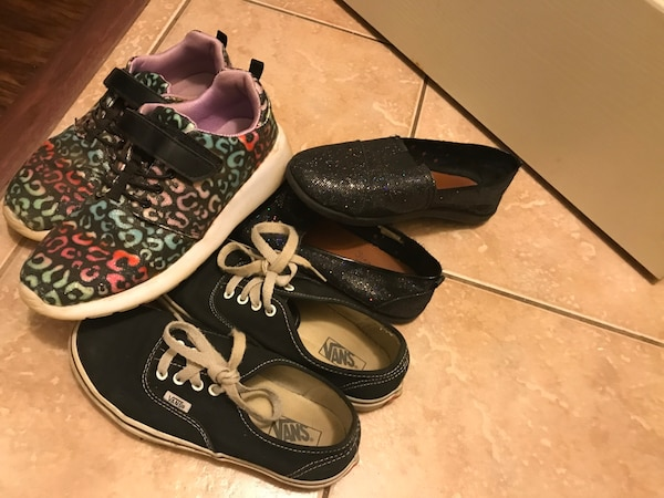 7b36f4b19d1bb3 Used Girls Shoes for sale in Powder Springs - letgo