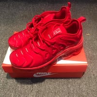 pair of red Nike basketball shoes on box Birmingham, 35224