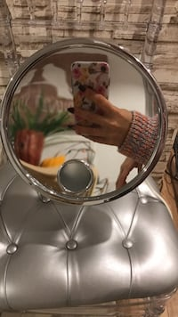 Face Mirror with light Vaughan, L6A 2B6