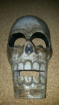 """9"""" Carved Wooden Skull  Hangs on the wall  Pick up"""