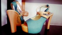 Size 6-7 brand new green beige cute heel Vancouver, V5R