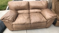 leather loveseat couch Kennewick, 99338