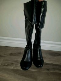 pair of black leather boots Aylmer, N5H