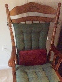 Wooden Rocking Chair with Cushion Middle River, 21220