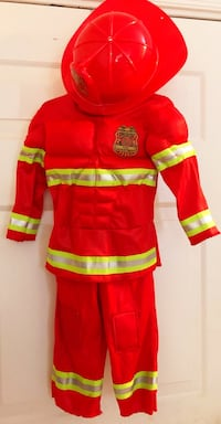 Fire fighter costume with hat; Size 2T Secaucus, 07094