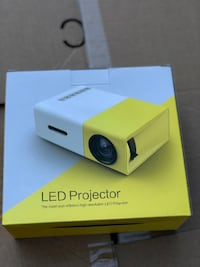YG-300 LCD Mini Portable LED Projector Support  [PHONE NUMBER HIDDEN]  Lumens 320 x 240 Toronto