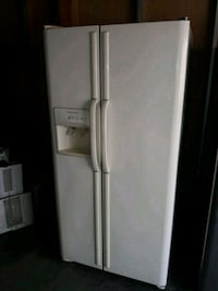 white side by side refrigerator with dispenser Los Angeles, 91344