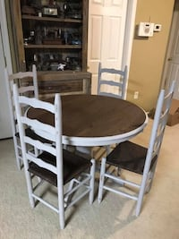 Table with 4 chairs 34 mi