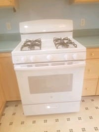 BRAND NEW...GE 4.8 cu.ft. Gas range in white  Brockton