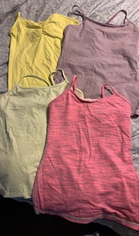 Lululemon tank with built in bra- great for working out or not Markham, L3P 3G1