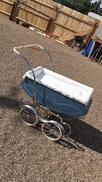 Antique baby crib  Rio Rancho, 87124