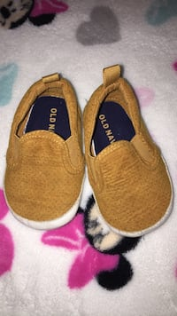 Old Navy Baby Shoes size 3-6 months