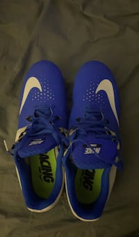 Track spikes size 10.5 Columbia, 21044