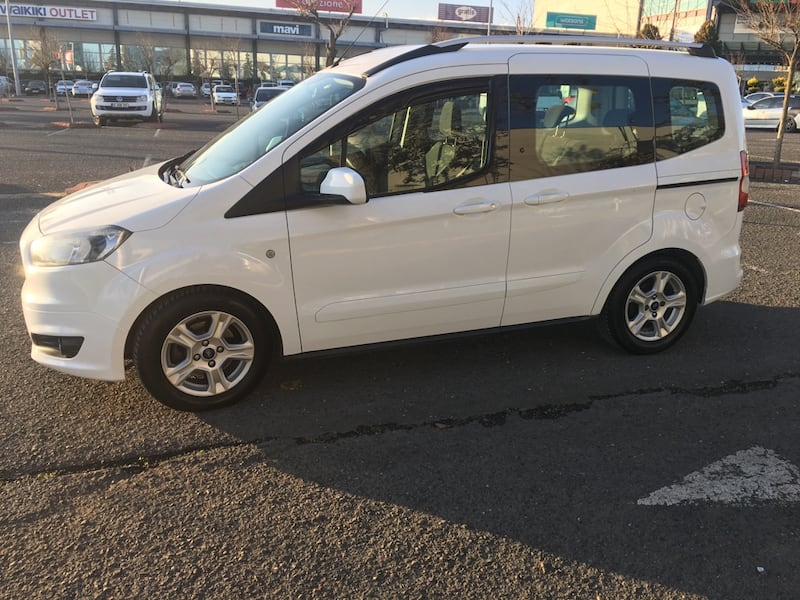 2017 Ford Tourneo Courier Journey 1.6L TDCI 95PS EU5 TREND f7afc007-a175-4292-a4f2-6075729757e2