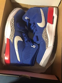 Pair of blue-and-white nike basketball shoes Simi Valley, 93065