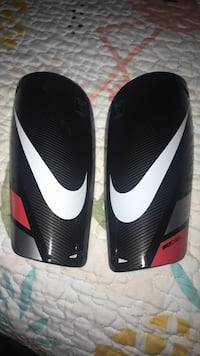 Pair of black-and-white nike shin guards Westminster, 21158