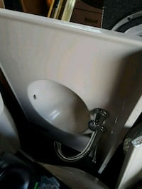 white ceramic sink with faucet 32×20 Hyattsville, 20783