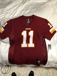 Red and white nfl jersey shirt larger in youth !! Great gift for redskin fan Hyattsville, 20783
