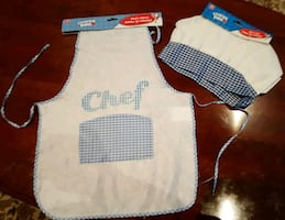 Child Apron and hat. Two sets (4 pieces)