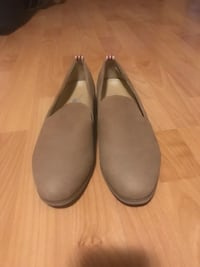 Size 7.5 camel suede loafers, worn once. Price is negotiable (bought for $92 USD) Toronto, M5V 1P7