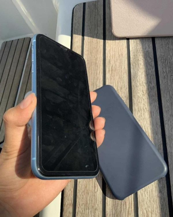Iphone XR 64GB Like New  6707a41e-af09-44ee-a9ca-2c85e3b277e1