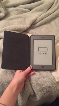 Gray kindle with smart case Killeen, 76542