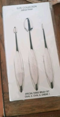 Artis 3 brush set