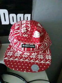 red and white floral fitted cap Clovis, 93611