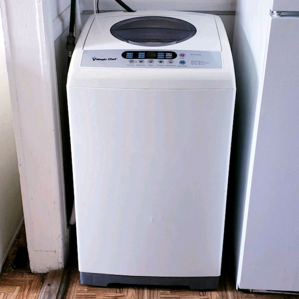 white and black Arcelik dishwasher 9fec6ee5-4821-4711-92c2-212bdbda2c1c