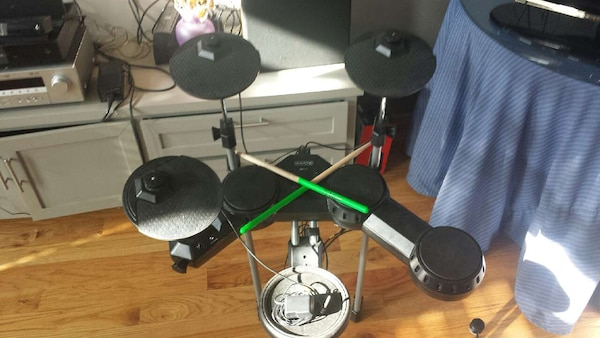used electric drum kit speakers and headset for sale in houston letgo. Black Bedroom Furniture Sets. Home Design Ideas