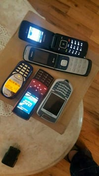 5 Vintage Cell phones Good Working Condition: Richmond Hill, 11418