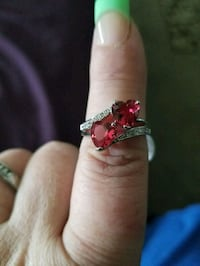 925 STERLING SLIVER HEART SHAPED RUBY RING.   Syracuse, 84075