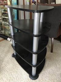 Gray and black tv stand Alexandria, 22314