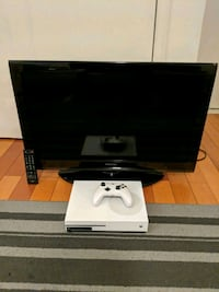 """Xbox One S + 32"""" Full Hd 1080p Toshiba TV Queens, 11373"""