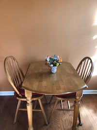 Dining table with 2 chair