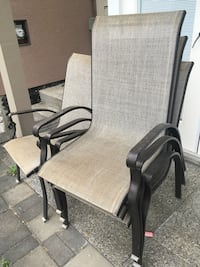 Set of 4 patio chairs Port Moody, V3H 2Y1
