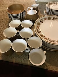 Dishes and cups set (36) pcs Lackawanna, 14218