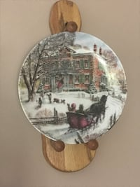Collectible Plate with Plate Holder Port Jefferson, 11777