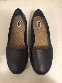 Gently used Dr. Scholls shoes size 7W , Pick up is Jane and Lawrence Toronto