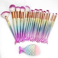 Pink and white makeup brush set Perris, 92571