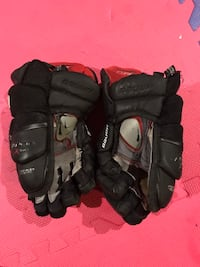 "Black Bauer Vapor X:60  12"" gloves Halifax, B4E 3G7"