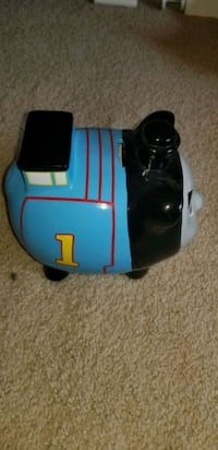Buy today!! Thomas the train small piggy bank  Bowie, 20715